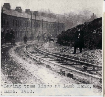 lumb-lamb-bank-laying-tram-lines-1910-1-jd